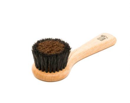 Ionic face brush
